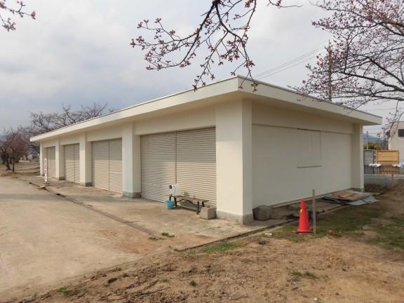 陸上競技場北側車庫塗装修繕